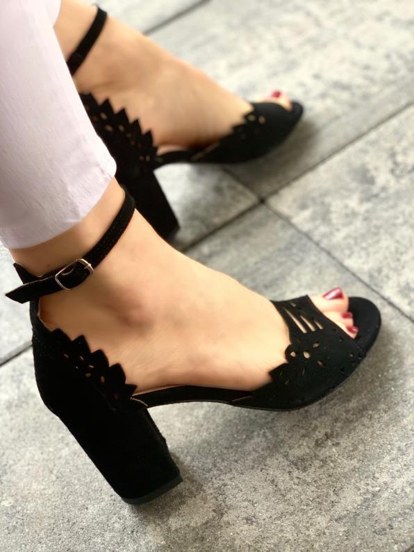 Czarne sandały damskie skórzane 3073/147