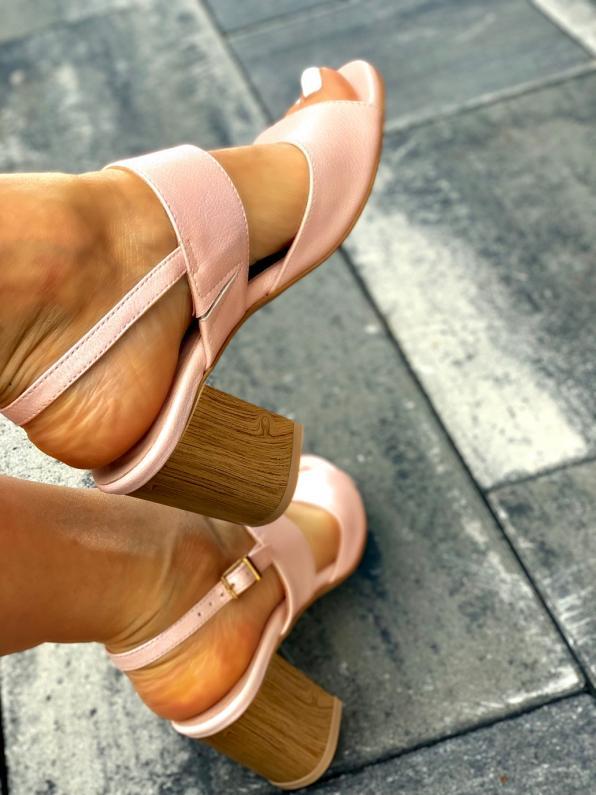 Różowe sandały damskie skórzane 3250/E50