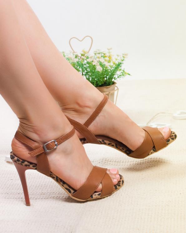 Brązowe sandały damskie skórzane 2941/D54/F32