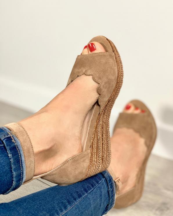 Beżowe sandały damskie skórzane 2966/F37